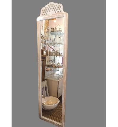 image: espejo alto con copete