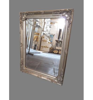 image: espejo marco plateado