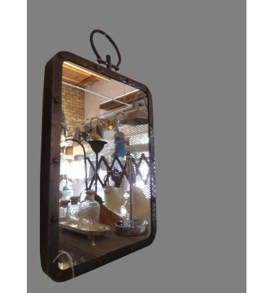 image: Espejo rectangular con anilla